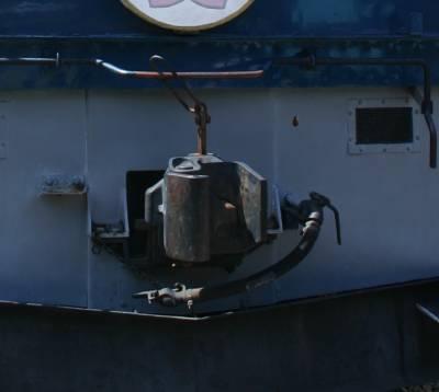 EF60形電気機関車の肘コックの位置