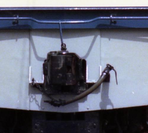 EF65形電気機関車の肘コックの位置