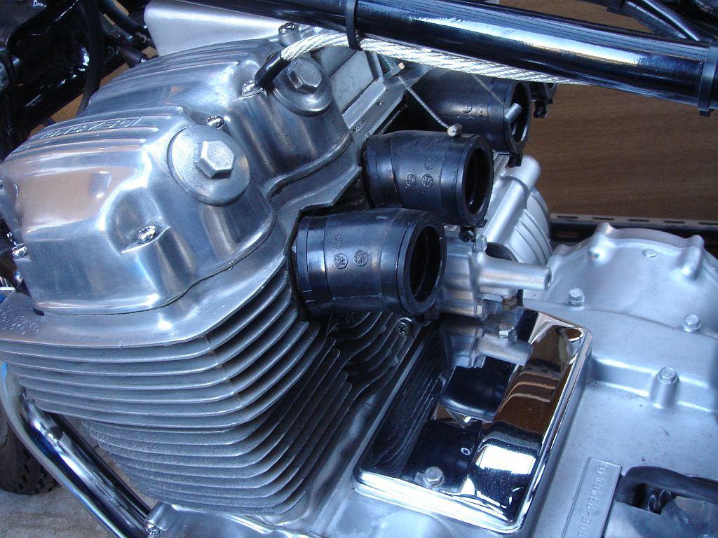 CB750 エンジン
