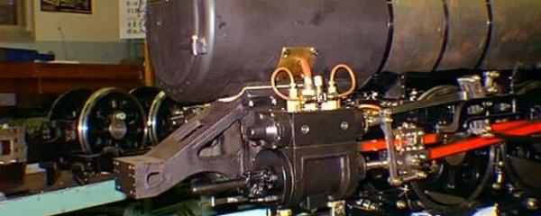 5インチゲージ C62 蒸気管と給油管