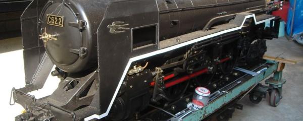 5インチゲージ C62 左側ランボード