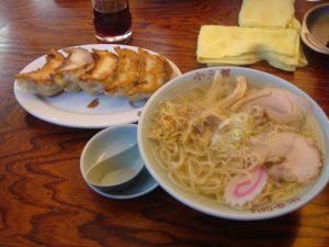 生姜ラーメンと餃子