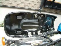 GT125 シートベース塗装