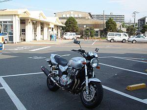 XJR1300 車検場にて