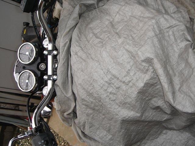 W400 ハンドル交換 タンクを保護