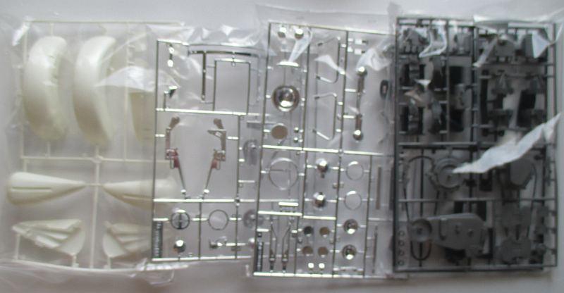 タミヤ 1/6 FLH 1200 ポリス 右側パーツ