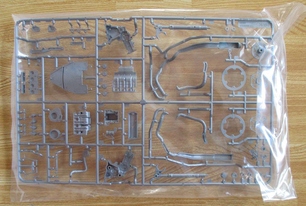 タミヤ 1/12 YZR-M1 エンジン系パーツ