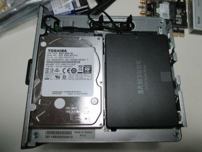 """2.5"""" SSDとHDD"""