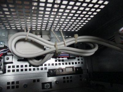 拡張用USBケーブルを釣り上げて基盤セット