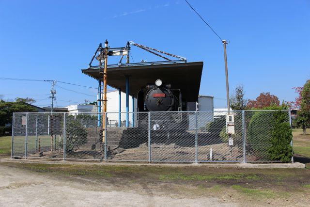 D51形機関車 (D51 860)
