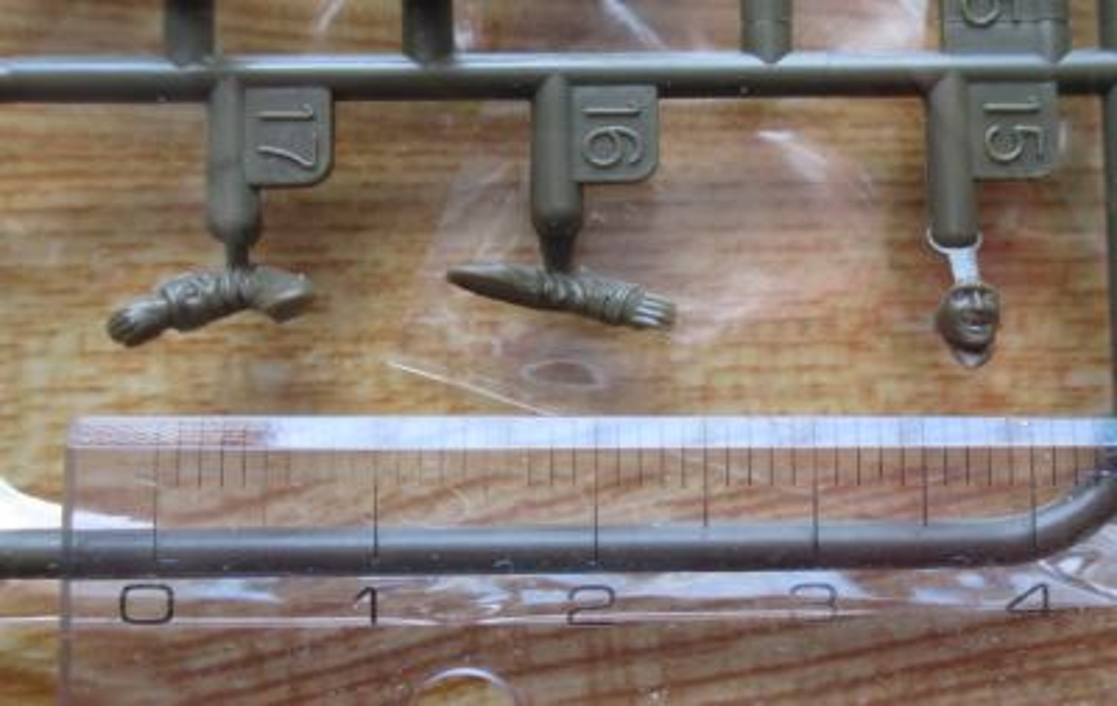 タミヤ 1/48 6×6 カーゴトラック ドライバー
