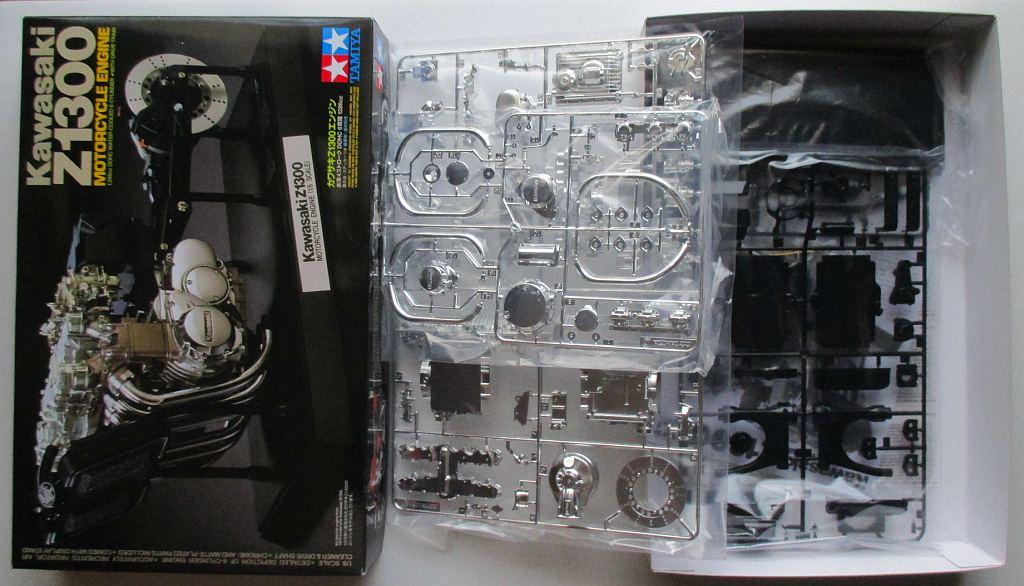 タミヤ 1/6 Z1300 エンジン キット構成