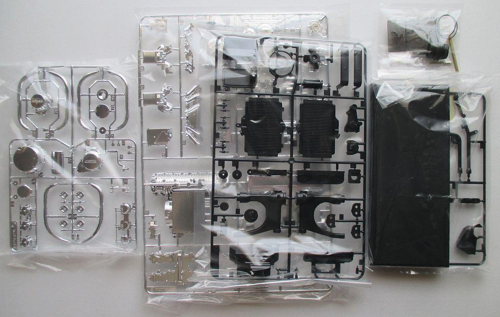 タミヤ 1/6 Z1300 エンジン パーツ