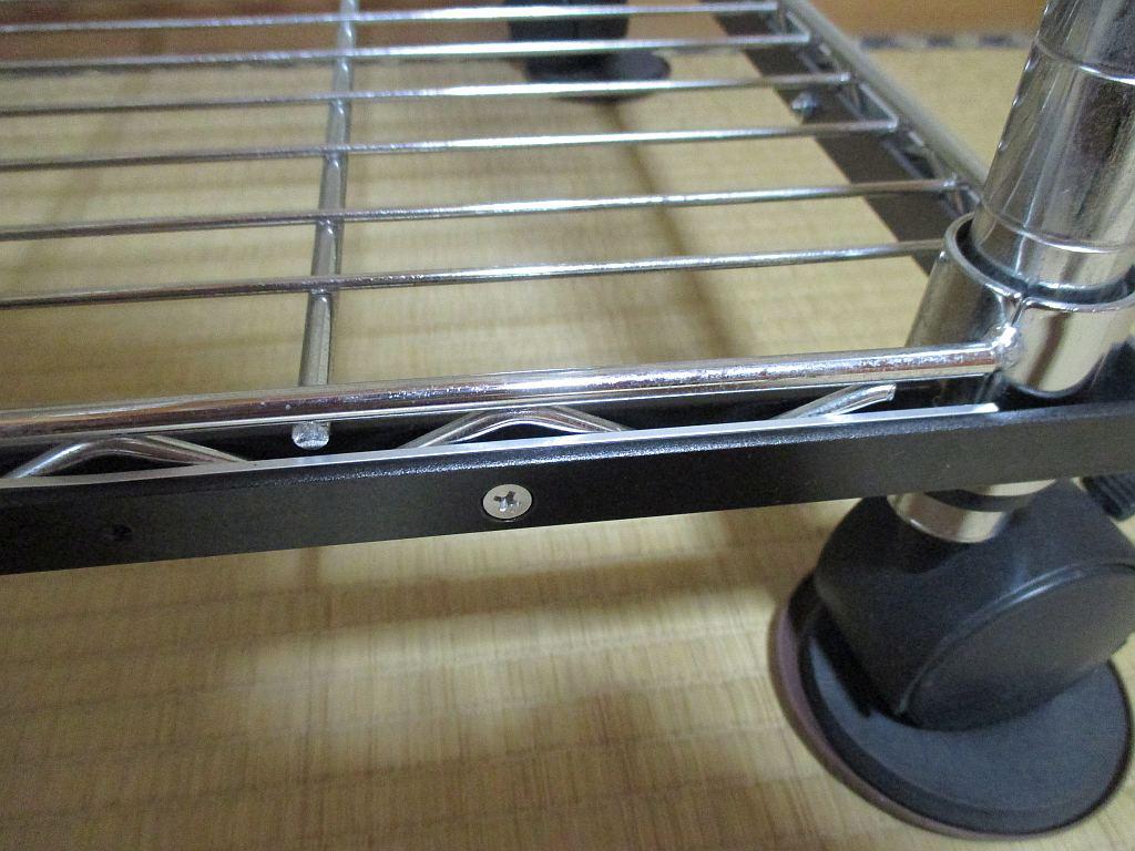 模型飾り棚の工作・アクリル板受け用平板取り付け