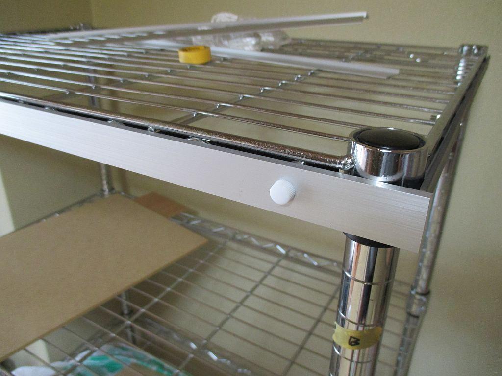 模型飾り棚の工作・アクリル板固定板取り付け