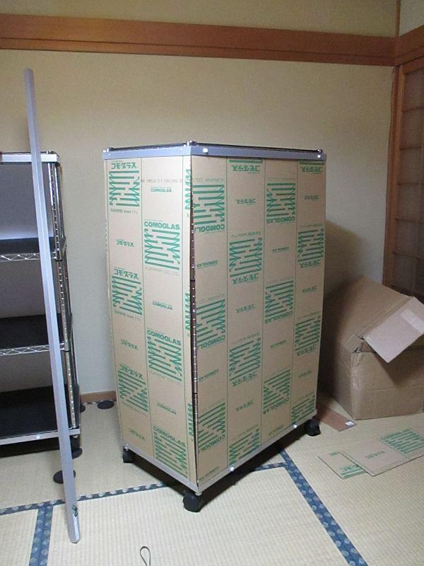 模型飾り棚の工作・アクリル板カット完了