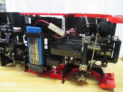 スカニア R620 走行用バッテリーの搭載