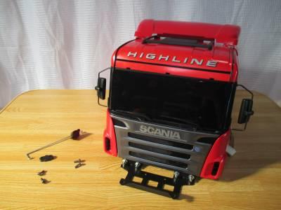 スカニア R620 ボディの取り付け関連パーツ