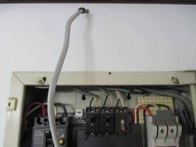 エアコン用電気工事 壁内にVVFケーブル通線