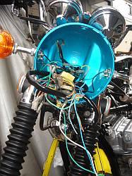 ヘッドライトケース内の配線を接続