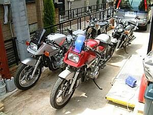 庭のバイク
