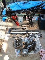 GT125 フレーム、フォーク、エンジン類