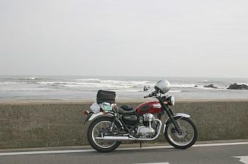 W400 海岸にて