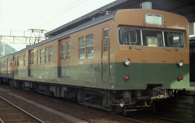 クモニ83