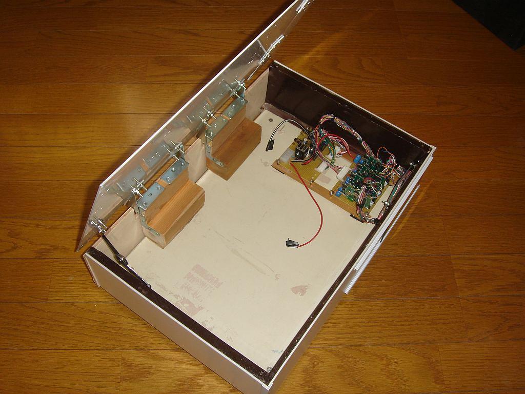 Nゲージレイアウト用制御盤 天板下部取り付け